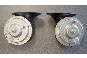 Sound signals S302 and S303 for GAZ-24